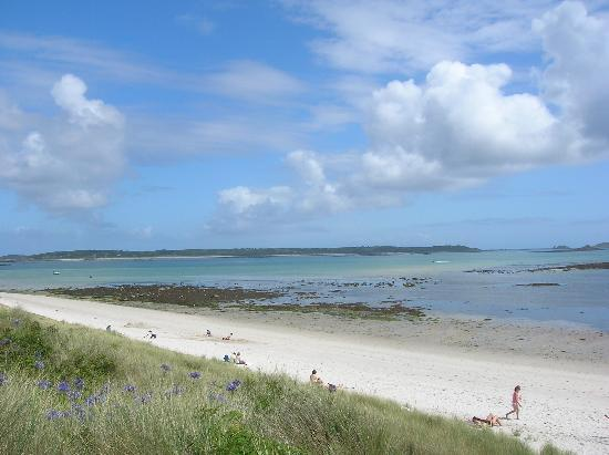 Rose Cottage: a beach on Tresco