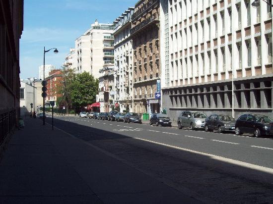 hotel charma dans rue tranquille