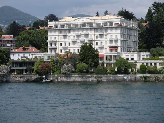 Grand Hotel Majestic: Grand Hôtel Majestic vue depuis le Lac Majeur