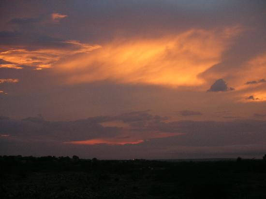 Desert Adventures Camps and Safari: Tramonto