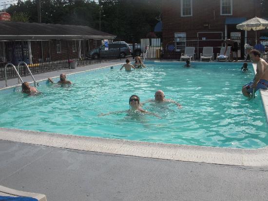 Rodeway Inn & Suites: Piscine