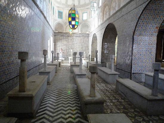 Dar El Medina : The Tourbet in the Medina