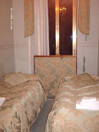 B&B Gli Angeli: Twin Room