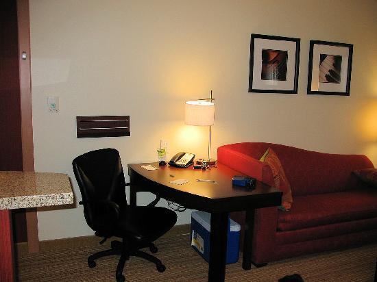 Residence Inn Columbus: Desk