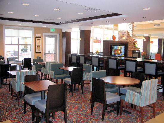 Residence Inn Columbus: Dining Room