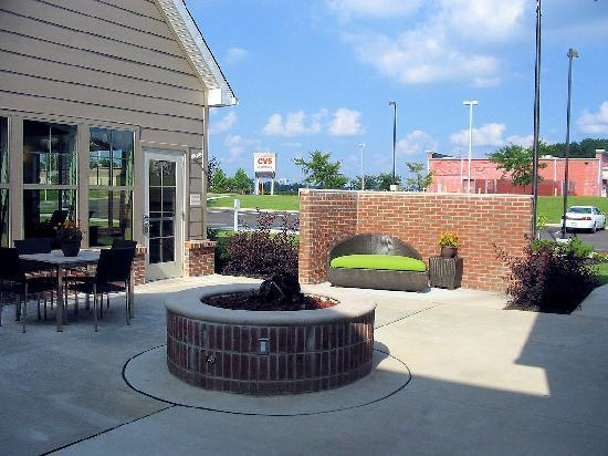 Residence Inn Columbus: Patio