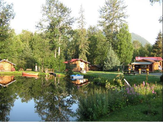 Bowman's Bear Creek Lodge: Free spirit boats on the pond!