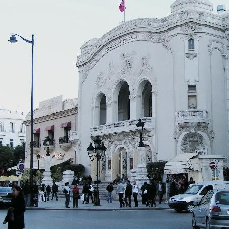 Le Grand Cafe du Theatre: Art Nouveau Theatre, Cafe on left
