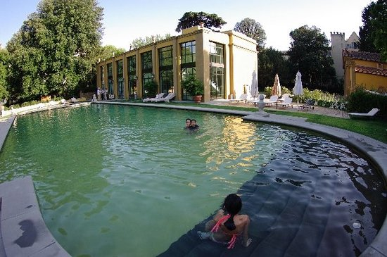 Four Seasons Hotel Firenze : Awesome pool at the Four Seasons Florence