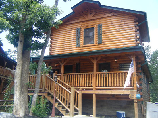 Exterior shot of our Cabin in Hemlock Hills Resort