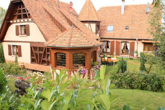 La Romance : La maison, vue du jardin