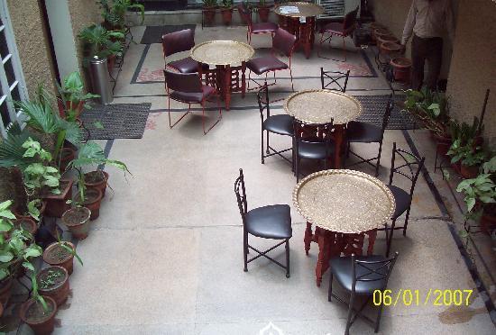 Janpath Guest House: Lobby