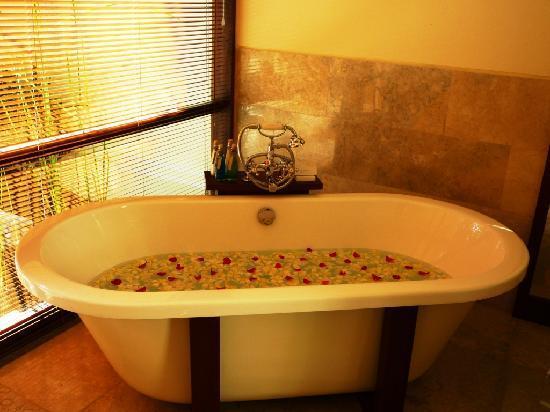 Komaneka at Bisma: Flower Bath