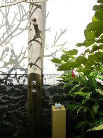 Komaneka at Bisma: Open air bath