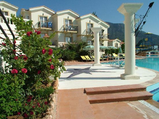 Royal Park Artemisia Club: Lovely pool
