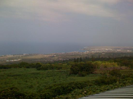 Holualoa Inn: View from lookout lanai to the West