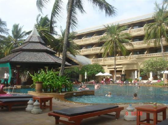 Kata Beach Resort and Spa: piscina