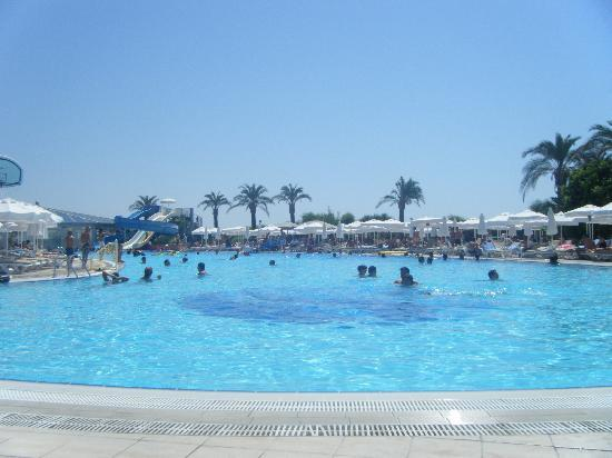 Crystal Paraiso Verde Resort & Spa: La piscine avec les toboggans