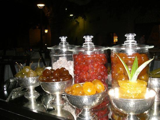 Baumaniere les Baux de Provence: le chariot de pâtes de fruits