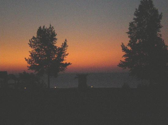Gimli, Canada: Sunrise from our porch