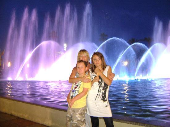 Ohtels Belvedere: The Fountains...10 mins. walk from hotel.
