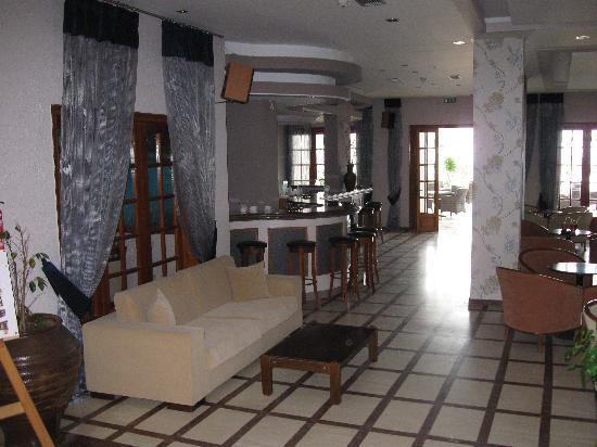 Acharavi Beach Hotel: the reception