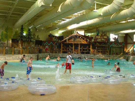 Great Wolf Lodge: wave pool