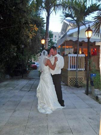 Palm Beach Hibiscus : Our first dance
