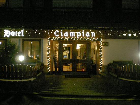 Hotel Ciampian: Ingresso hotel