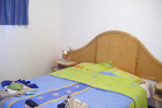 Margabella Suites: Habitación con cama matrimonial