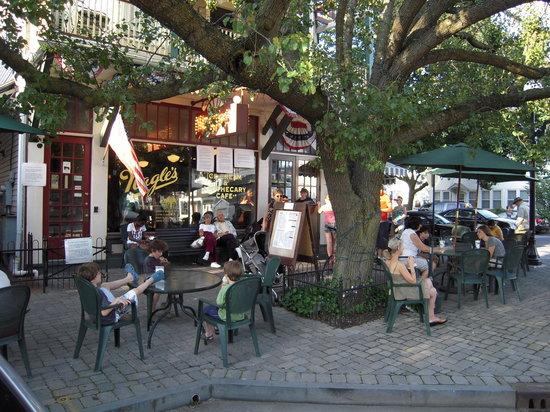 Nagle's Apothecary Cafe : Nagle's
