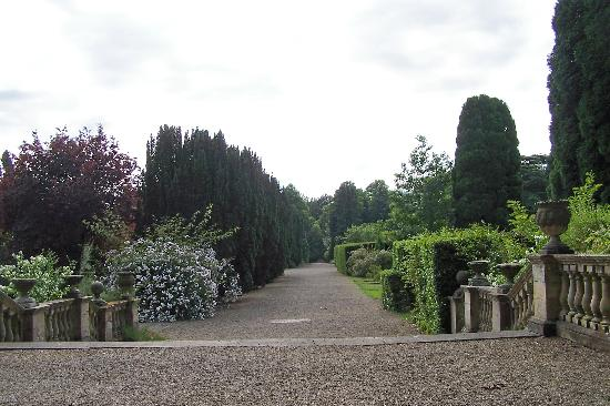 Newby Hall and Gardens: the welcoming walk AWAY from the dreadful Hall tour experience...