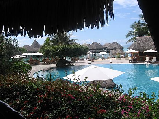 Hilton Moorea Lagoon Resort & Spa: Pool area