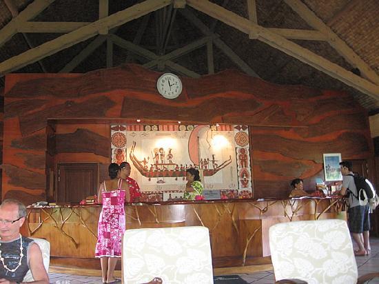 Hilton Moorea Lagoon Resort & Spa: Front desk