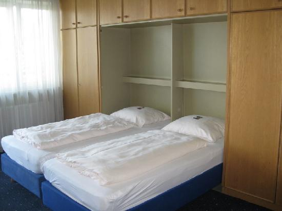 StayMunich Serviced Apartments : bedroom