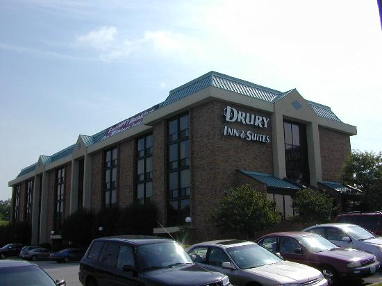 Drury Inn & Suites Kansas City Stadium: Drury Inn near Truman Sports Complex in KC