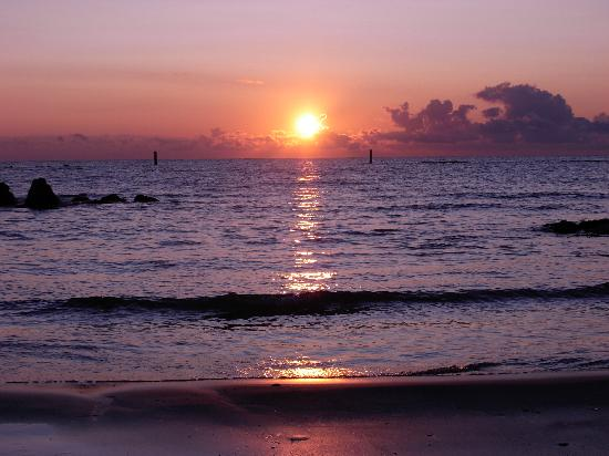 Roseto Degli Abruzzi, Italia: alba sulla spiaggia