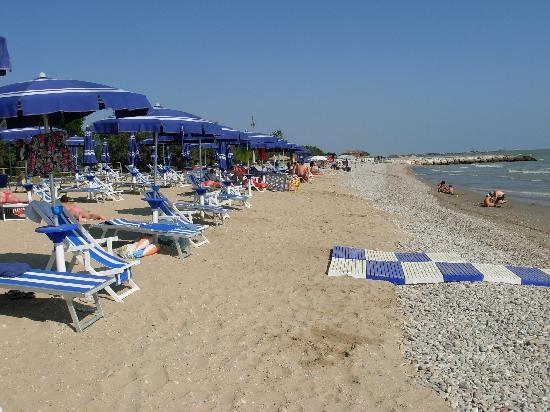 Roseto Degli Abruzzi, Italia: la spiaggia