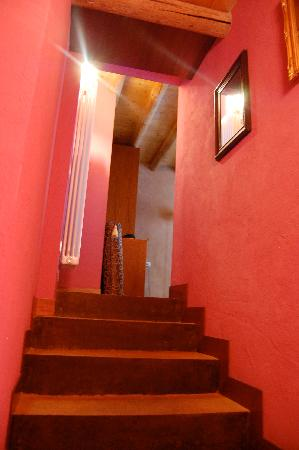Casa Magnani : entryway to our room