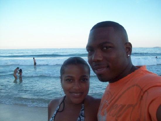 Belmond Copacabana Palace : Crashing waves on the beach across from Copacabana Palace