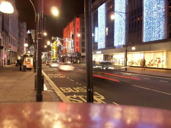 ถนนออกซ์ฟอร์ด: Oxford Street Under Christmas Lights!