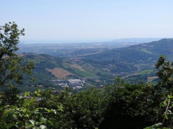 ซานมาริโน, ซานมารีโน: View from San Marino infront of our hotel