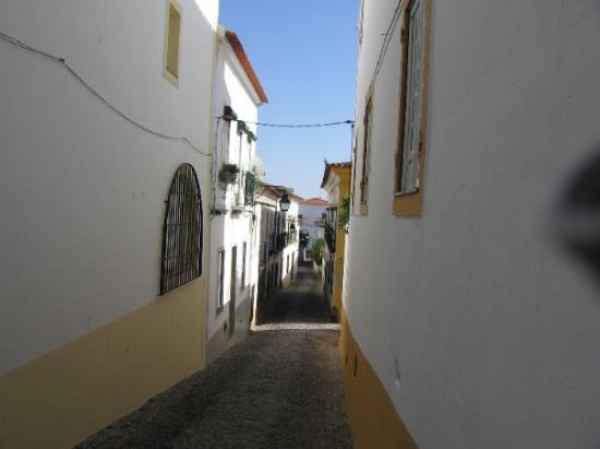 Evora Photo