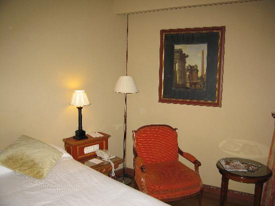 Hotel Izán Trujillo: Detalle de la habitación (amplísima y muy luminosa)