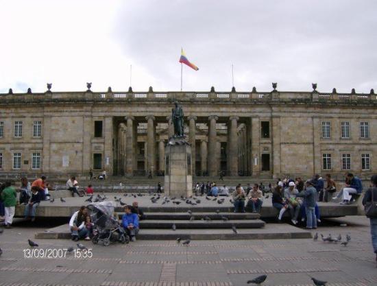 Plaza de Bolivar: Plaza de Bolívar, Bogotá