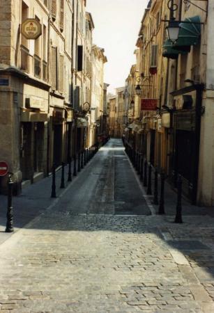 แอ็ซซองโปรวองซ์, ฝรั่งเศส: street in Aix-en-Provence