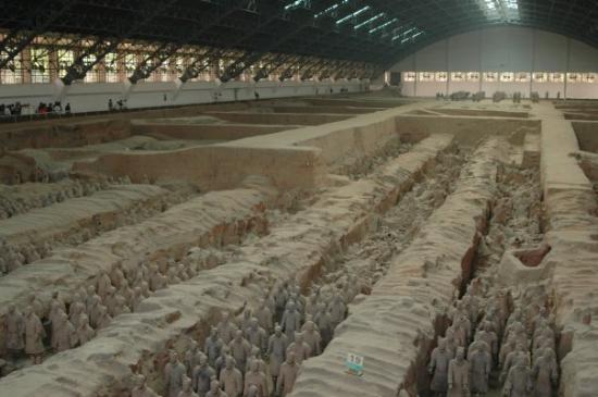Tomb of Emperor Qin Shi Huang: เรื่มต้นวันที่นี่เลย  สุสานทหารดินเผา ของ จิ๋นซีฮ่องเต้  @ Pit 1