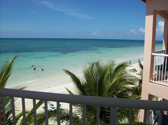 Island Seas Resort : Condo view of beach