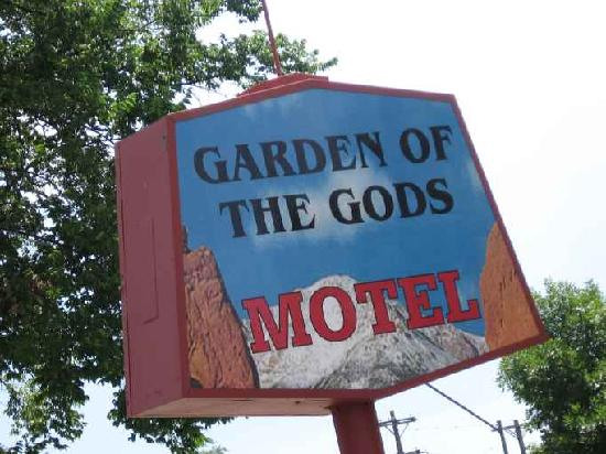 Garden of the Gods Motel: Motel Sign.  Camera not level.