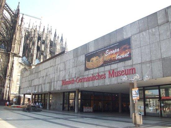 Roman-German Museum (Romisch-Germanisches Museum) Photo